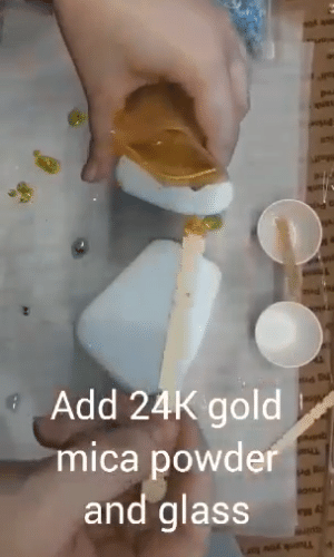 add gold to resin mix